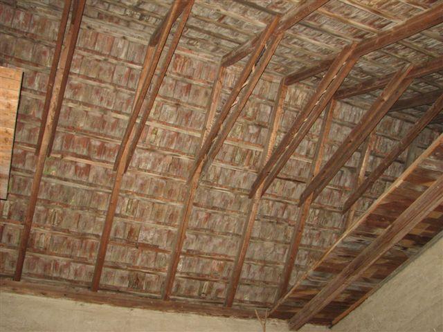 Beleuchtung eines Dachstuhls einer Scheune  wer-weiss-was.de